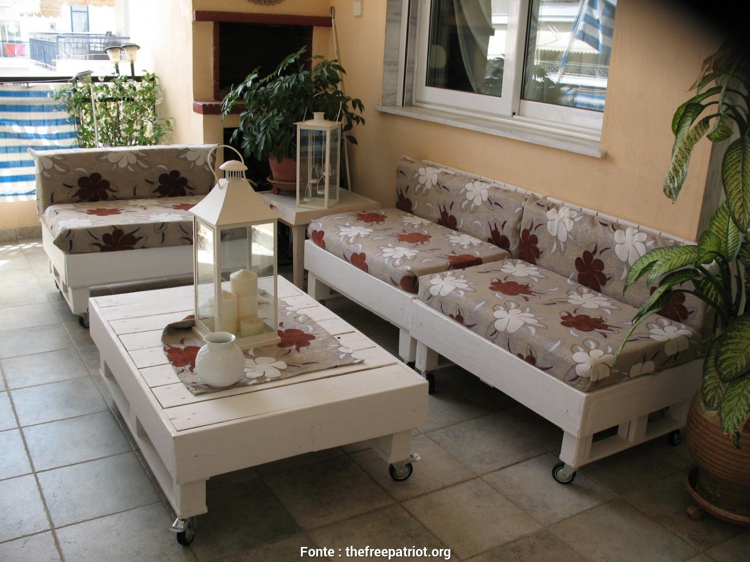 Divani Pallets, Bellissimo Sofas From Pallets (Pallet) With Their, Hands, Photos