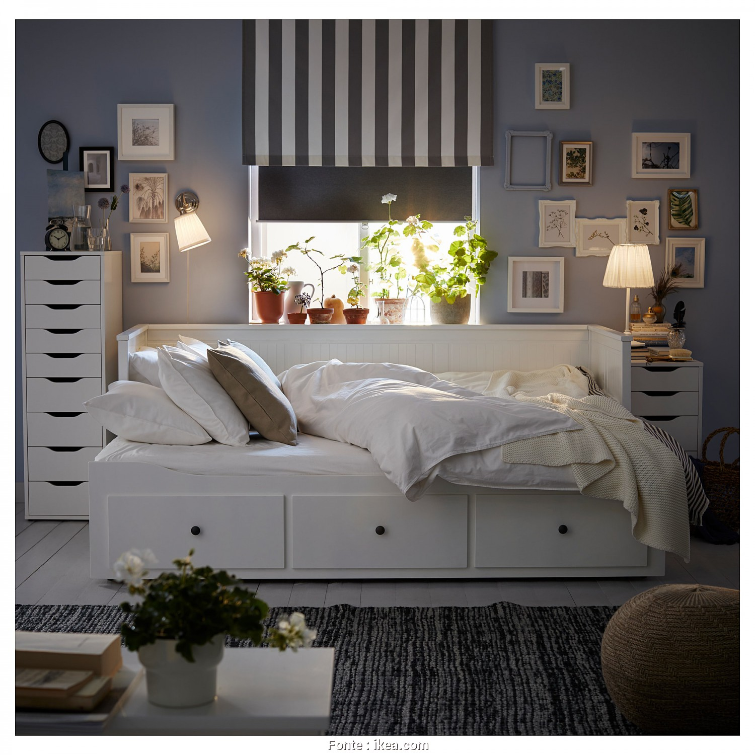 Hemnes Letto Video, Delizioso HEMNES, Daybed With 3 Drawers/2 Mattresses, White, Meistervik Firm $629.00
