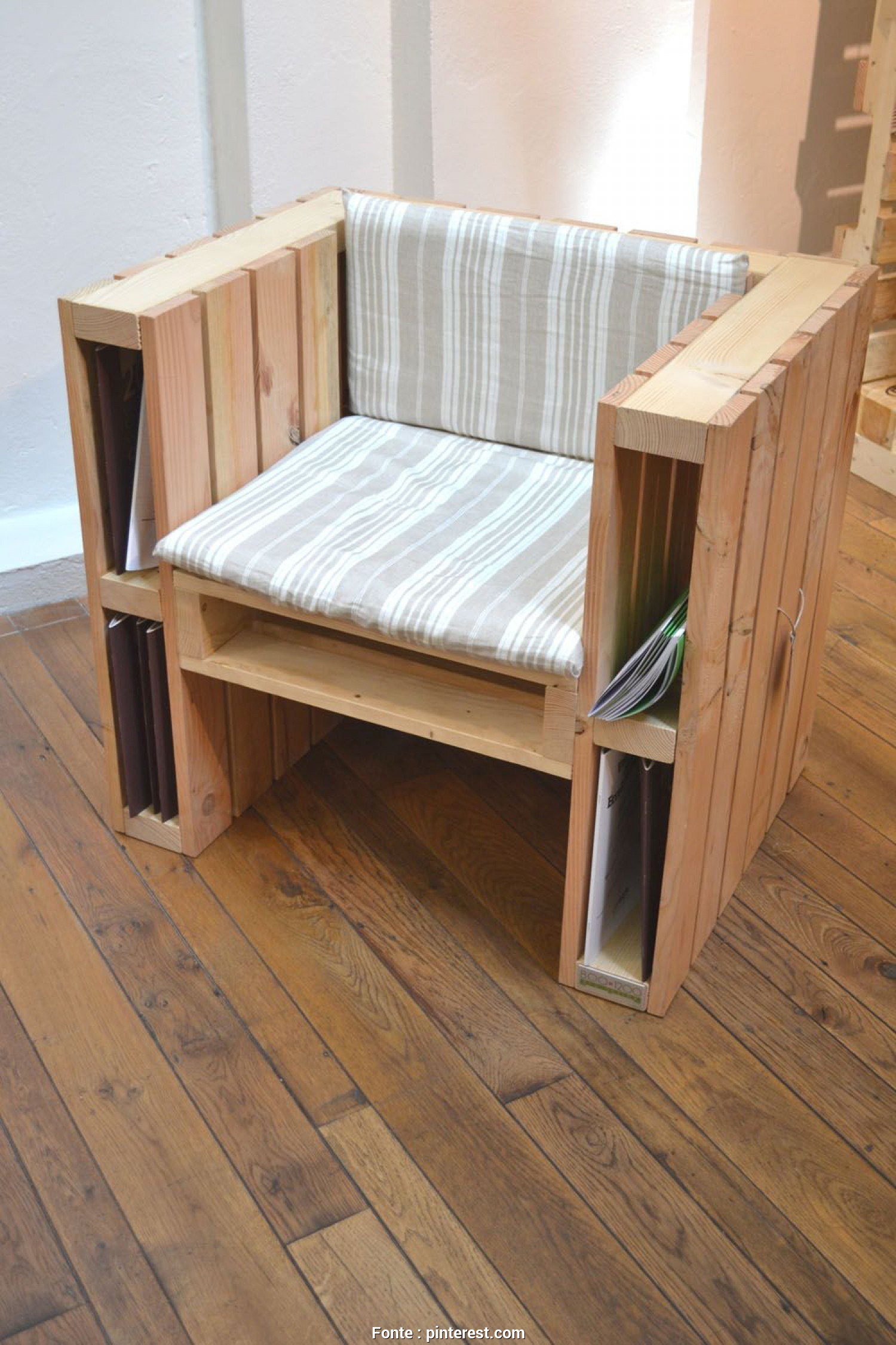 Pallet De Madeira Leroy Merlin, Costoso I, That This Reclaimed Pallet Project Allows, To Store Your Reading Materials In Your Reading Chair