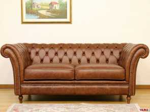 Chesterfield Divano Marrone, Divertente Luxor Is A Particular Chesterfield Sofa Created By VAMA Divani,, Famous Italian Company Specialized In Handcrafted Chesterfield Sofas