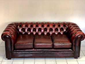 Divano Chesterfield.Com, Semplice Chesterfield Leather Chesterfield Sofa. England 60S, Antiques On