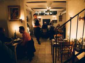 Divano Kant Maison Du Monde, Elegante Kok &, In Odense, British Restaurants, French Restaurant, Steak Houses, & 1 Photo, Phone Number, Store Gråbrødrestræde 19 5000 Odense Denmark