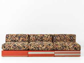 divano sofa mauritius Sofa with structure in glossy poli lacquered wood with decorative hand painted finish, brass detailing. Cushion in goose feather upholstered in fabric Bello 4 Divano Sofa Mauritius